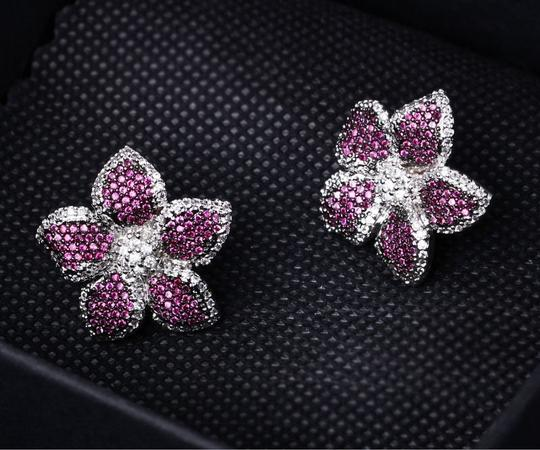 Czech Brand new flower design micropaved earrings Image 4