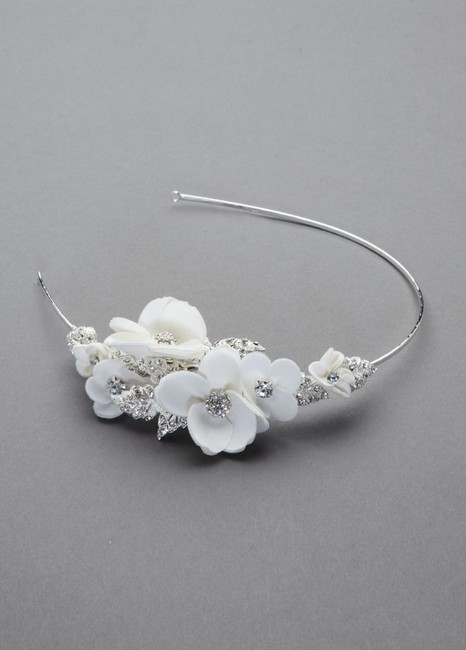 Item - Ivory Headpiece Collection Hair Accessory