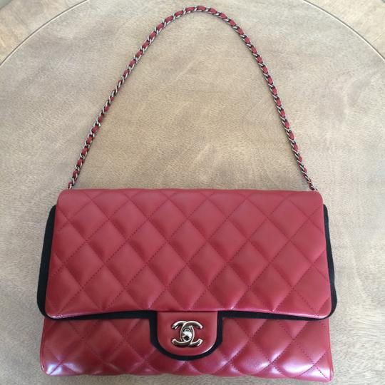 Chanel Leather Quilted Chain Shoulder Bag Image 1
