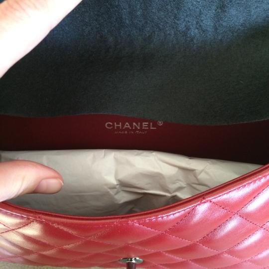 Chanel Leather Quilted Chain Shoulder Bag Image 2