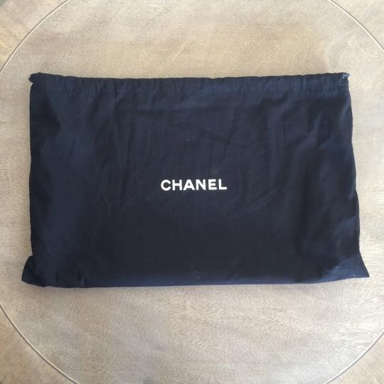 Chanel Leather Quilted Chain Shoulder Bag Image 3