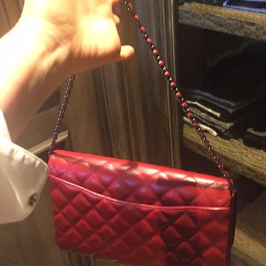 Chanel Leather Quilted Chain Shoulder Bag