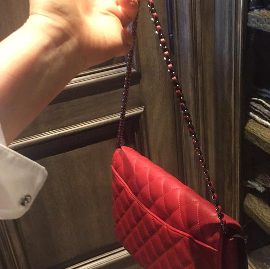 Chanel Leather Quilted Chain Shoulder Bag Image 7