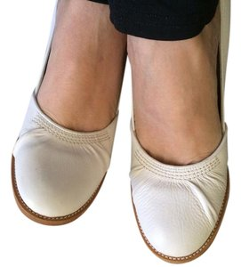 Twelfth St. by Cynthia Vincent Wedding Round Toe Leather Woodlike Heel Wood Heel White / Cream Pumps