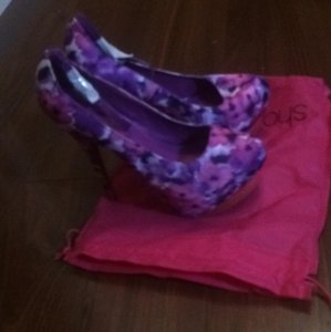 Shoedazzle, never worn, size 10 Platforms