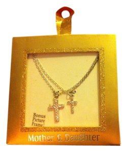 BOUTIQUE 2-Peice BRAND NEW MOTHER-DAUGHTER Matching Silver/Crystal CROSS NECKLACE's MOM Wears 1-and Daughter Wear's 1- Retail $28.99