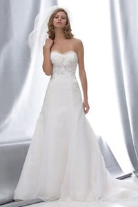 Watters Ivory 13526 Organza Gown with Feather Applique Wedding Dress Size 4 (S)
