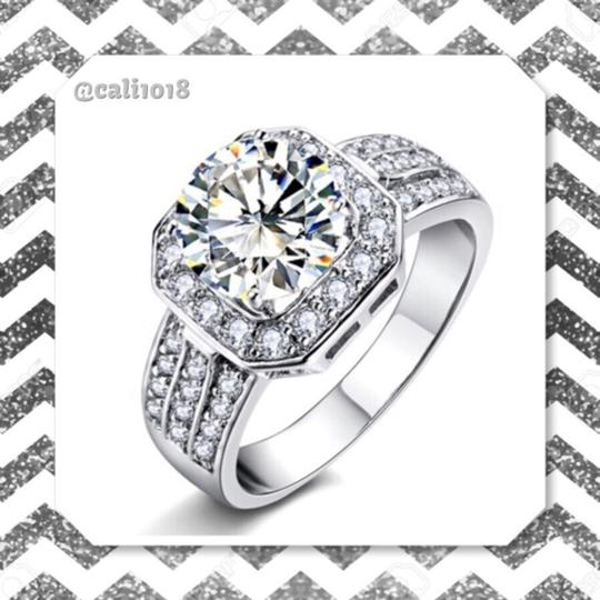 Silver Engagement Ring Image 3
