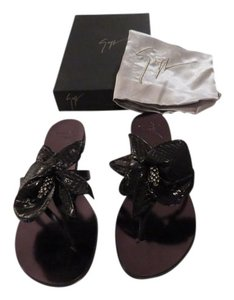 Giuseppe Zanotti Swarovski Accents Reptile Embossed Chic Made In Italy Black Sandals
