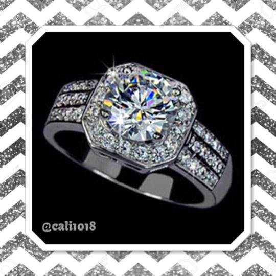 Other CLEARANCE 2CT Sona Diamond Center Stone Very Sparkly