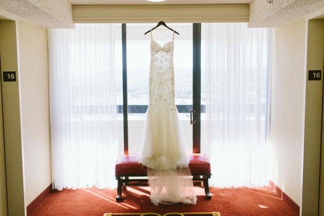 Item - Ivory Beaded with Pearls Nikita Sexy Wedding Dress Size 6 (S)