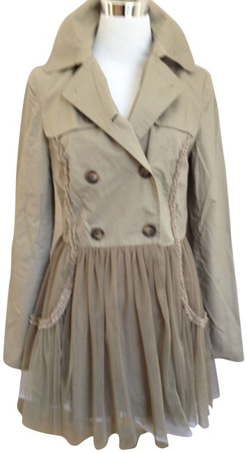 Preload https://img-static.tradesy.com/item/1190/topshop-beige-unique-raincoat-size-6-s-0-1-650-650.jpg