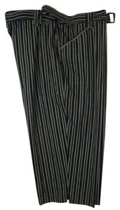 WHITE STAG Capris BLACK & GRAY STRIPED