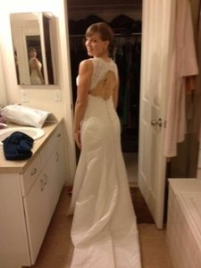 White Lace Silk Wedding Dress Size 4 (S)