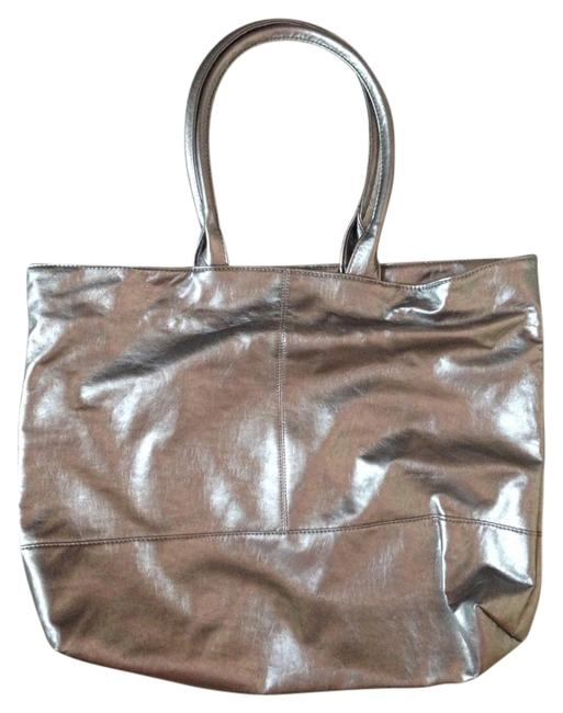 Item - New Leather Straps Metallic Silver Weekend/Travel Bag