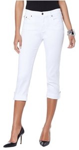 Diane Gilman Zipper Botton Capri/Cropped Denim-Light Wash