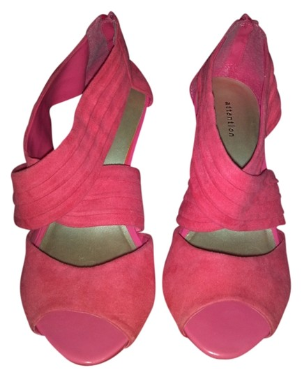 Preload https://item1.tradesy.com/images/attention-coral-classic-pumps-size-us-7-regular-m-b-1192120-0-0.jpg?width=440&height=440