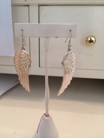 Other Wing Earrings Image 1