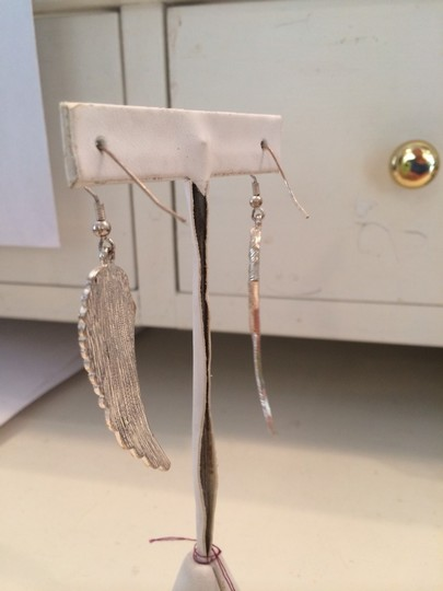 Other Wing Earrings Image 3