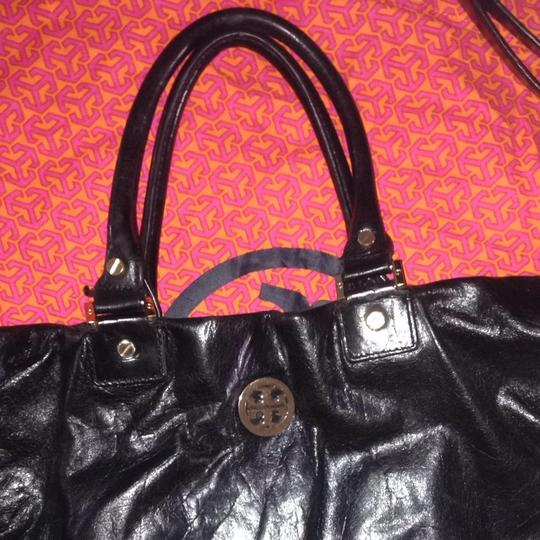 Tory Burch Leather Crossbody Tote in Black