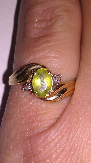 Other 14K Solid Gold Peridot and Diamond Ring Image 1