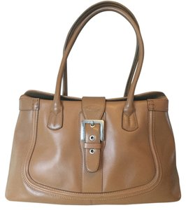 Tod's Classic Satchel in Camel Beige Leather