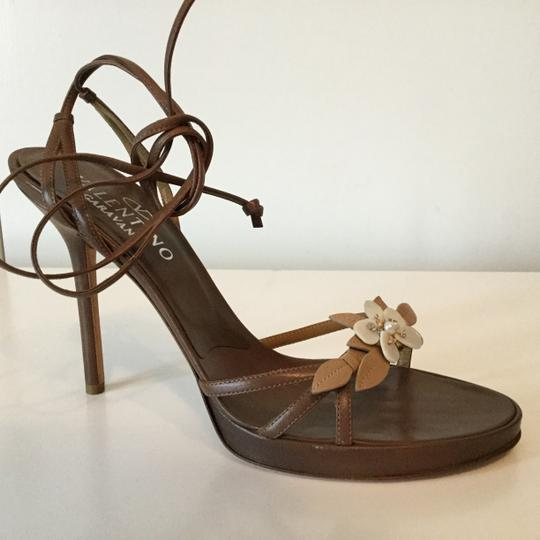Valentino Shell Floral Strappy Tan Beige Leather Sandals Image 2