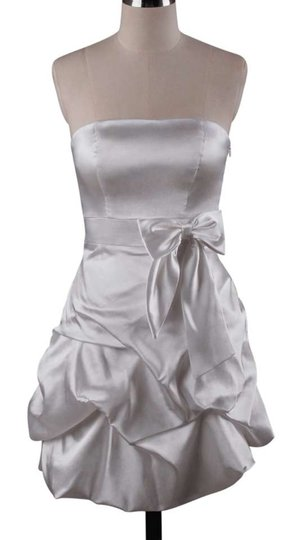 White Polyester Satin Strapless Pickup Modern Bridesmaid/Mob Dress Size 12 (L)