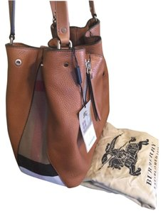 Burberry Tote in Saddle Brown/check