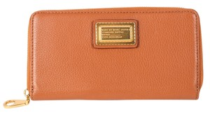 Marc by Marc Jacobs * Cement grained leather Classic Q slim zip-around wallet.