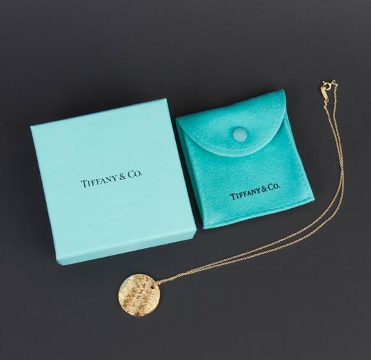 Tiffany & Co. Tiffany Notes Pendant in 18k yellow gold on 16'' chain Image 1
