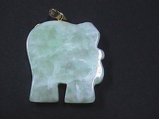 Vintage 14k Solid Yellow Gold Elephant Jade w/ Ruby eye Pendant