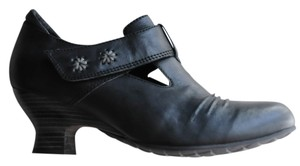 Wolky Leather Mary Jane Bohemian Black Pumps