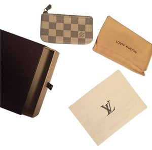 Louis Vuitton white azur Clutch