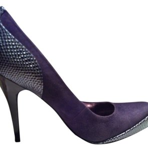 Paris Hilton purple Pumps