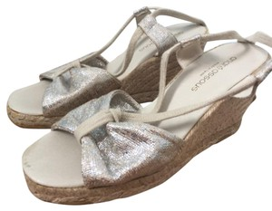 Andre Assous natural beige/silver Wedges