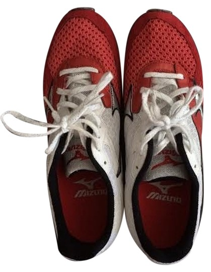 Preload https://item1.tradesy.com/images/mizuno-white-and-red-wave-ronin-4-sneakers-size-us-95-regular-m-b-1196085-0-0.jpg?width=440&height=440