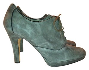 Circa Joan & David Lace-up & Gray suede Boots