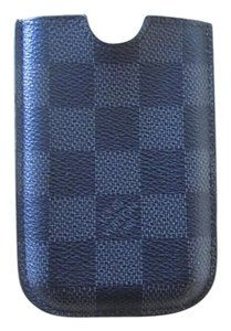 Louis Vuitton Louis Vuitton Damier Case Graphite Compatible with Iphone 3 / 4