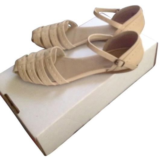 Kenneth Cole White Sandals