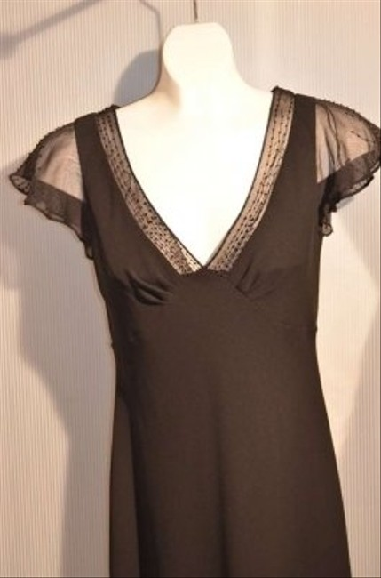 Jones New York Size 4 In Color V-neck Bordered With Sheer Fabric With Beading Also Sheer Fabric With Beading On Little Short Trim Dress