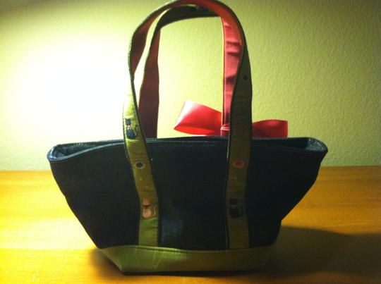 Liz Claiborne Cats Curdoroy Bow Blue jean with pink and green trim Clutch Image 1