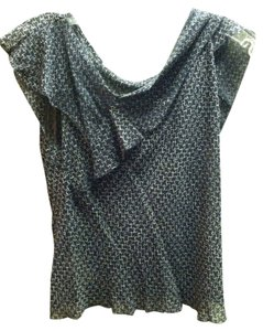 Max Studio Silk Asymmetric Top Black/white detail