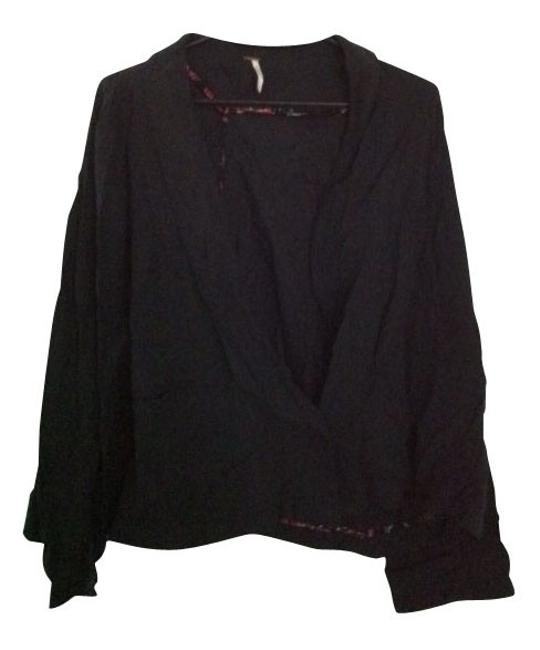 Preload https://item3.tradesy.com/images/free-people-black-button-down-top-size-12-l-1197-0-0.jpg?width=400&height=650