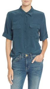 Equipment Silk Button Down Slim Signature Short Sleeve Top majolica blue