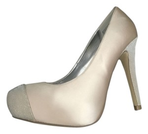 Kenneth Cole Champagne Pumps
