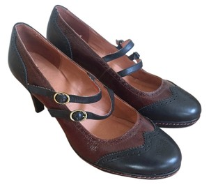 Schuler & Sons Oxford Vintage Leather Black and Brown Pumps