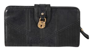 Juicy Couture Juicy Coutour Turn Lock Black Leather ZIp Around Wallet