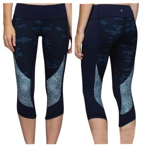 Lululemon New With Tags Lululemon Wunder Under Crop Sashiko Camo Blue Size 4