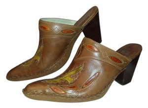 Frye Made In Brazil Double F Design Studded Rich Leather Contrasting Stitching REDUCED!! Tan Inlaid Multi-Colored Mules